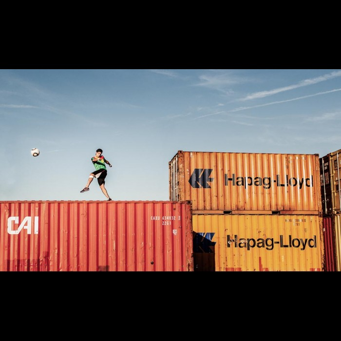 Sports et aventures  -   Shipping the ball