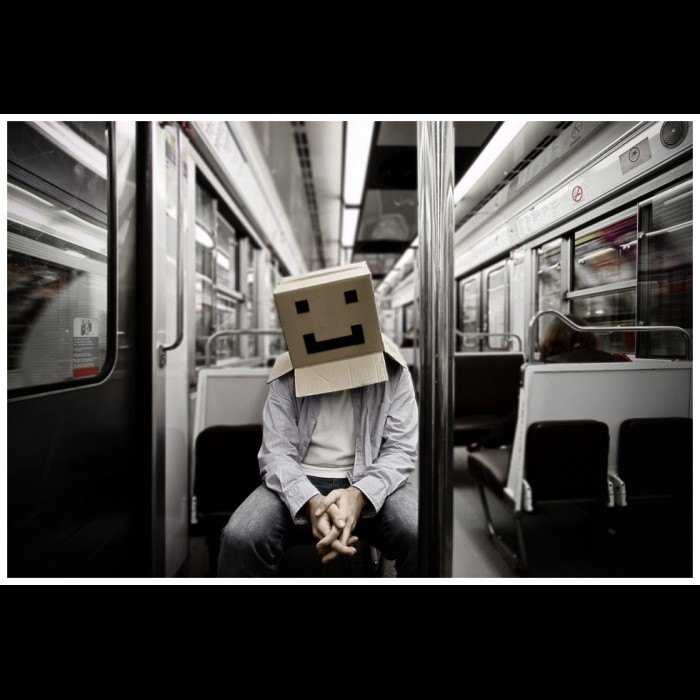 Photo -   CardBoard Box Head #12 - Box on the move