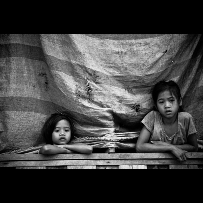 Photos du Laos -   Deux petits regards